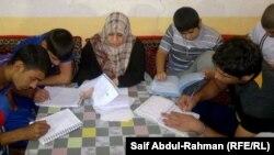 نبراس قاسم مع طلابها