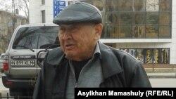 Ерік Мұхамедғалиев - Мирзоян көшесінің тұрғыны. Алматы, 27 наурыз 2014 жыл.