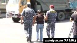 Armenia - Riot police detain protesters in Yerevan's Erebuni district, 27Jul2016.