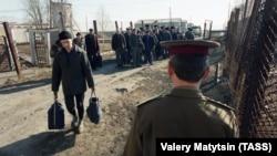 Этапирование заключенных в трудовую колонию