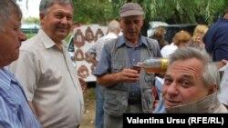 Moldoveni la băut