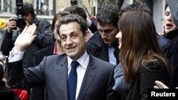 Париж: Николя Саркози проголосовал на выборах 6 мая