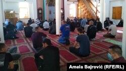 Džuma namaz u Pašinoj džamiji u Novom Pazaru, 8. maja