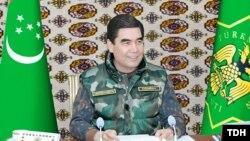 Türkmenistanyň prezidenti Gurbanguly Berdimuhamedow Döwlet howpsuzlyk geňeşiniň mejlisini geçirýär. 21-nji noýabr. TDH-nyň suraty