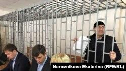 """""""Мемориалдын"""" Чеченстандагы бөлүмүнүн башчысы, 60 жаштагы Оюб Титиев 9-январда камакка алынган."""
