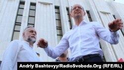 Яценюк: «Ми показали «Беркутові», як ми любимо Україну»