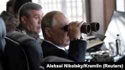 Ռուսաստանի նախագահ Վլադիմիր Պուտինը հետևում է «Վոստոկ-2018» զորավարժություններին, 13-ը սեպտեմբերի, 2018թ․