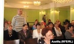 Сарапулдан Зөлфәт Арсланов сорауларга җавап бирә