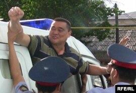 Рамазан Есергепов, главный редактор независимой газеты «Алма-Ата Инфо», в день оглашения приговора. Тараз, 8 августа 2009 года.