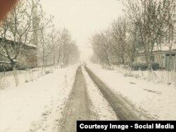 Снегопад в конце марта в Узбекистане