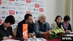 Sa konferencije za novinare MESS-a, Fotografije uz tekst Midhat Poturović