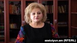 Թիվ 11 դպրոցի տնօրեն Ռուզաննա Ազիզյանը, Երևան, 4-ը մայիսի, 2018թ․