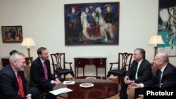 В пятницу закончился визит сопредседателей Минской группы ОБСЕ в Баку, Ереван и Степанакерт