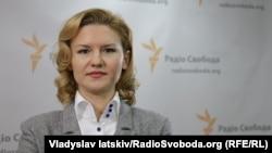Олена Дяченко, політичний експерт