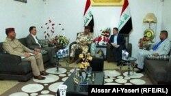 محافظ النجف عدنان الزرفي وقائد عمليات الفرات الاوسط اللواء الركن قيس المحمداوي