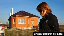 Екатерина Перепелюк у своего дома