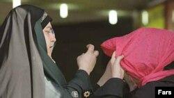 طی دو روز نزدیک به سیصد زن به علت «بدحجابی» دستگیر شده اند