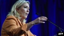 """Марин Ле Пен, Францияның әсіре оңшыл """"Ұлттық майдан"""" партиясының жетекшісі"""