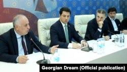 """""""ქართული ოცნების"""" ოფისში საპარლამენტო უმრავლესობის შეხვედრა 13 ნოემბერსაც გაიმართა"""