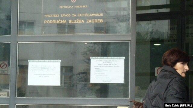 Pred Zavodom za zapoljšavanje u Zagrebu