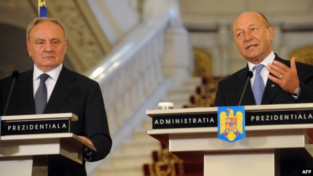 Nicolae Timofti și Traian Băsescu la București.