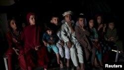 Pakistandan qayıtmış əfqan qaçqın uşaqları