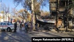 Последствия взрыва в кафе «Антошка».