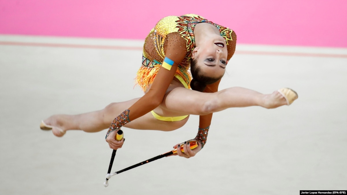 Двое украинок поедут соревноваться до Москвы – Федерация художественной гимнастики Украины