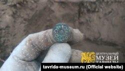 Монета, найденная на раскопках вблизи Перекопского вала