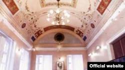 В честь 100-летия Пушкинскому музею передают здание Института философии - ему исполнилось только 80 лет.