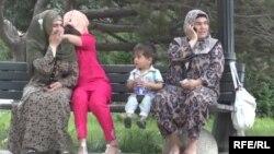 Женщины в хиджабах в Таджикистане.