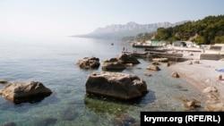Крим, мис Сарич, пляж