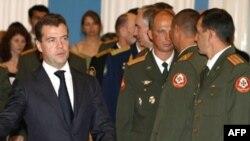 Дмитро Медведєв під час зустрічі з офіцерами, які брали участь у російсько-грузинській війні. Москва, 14 серпня 2008 року