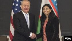Министр иностранных дел Узбекистана Абдулазиз Камилов и помощник госсекретаря по делам Южной и Центральной Азии Ниша Бисвал. Вашингтон, 19 января 2016 года.
