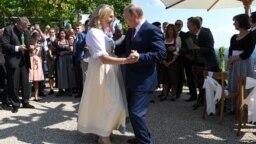 Karin Kneissl və Vladimir Putin. Avstriya, 18 avqust.