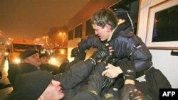 Міліцыя арыштоўвае дэманстрантаў