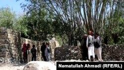 بهای یک بوری آرد در ولسوالی خواهان به ۳۰۰۰ افغانی رسیده و حتی یافت نمیشود.