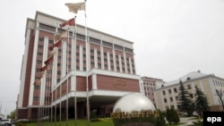 Здание гостиницы, где проходит встреча группы по Украине. Минск, 6 мая 2015 года.