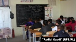 Tajikistan -- school in the farm in the Shahrinav district, 05Apr2012
