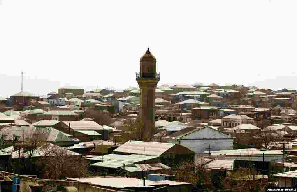 Balaxanı kəndi Bakının Şimal-Şərqində, Abşeron yarmadasının mərkəzində yerləşir. Bakının ən qədim kəndlərindən biridir. Qədimiliyi ilə yanaşı neftlə zənginliyi ilə də seçilir.