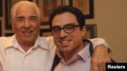 باقر نمازی ۸۰ سال دارد و دارای تابعیت دوگانه ایرانی- آمریکایی است.