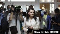 Сьвятлана Ціханоўская падчас галасаваньня ў Менску 9 жніўня 2020