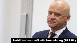 Геннадій Труханов пояснив госпіталізацію негативним результатом «надмірних занять спортом»