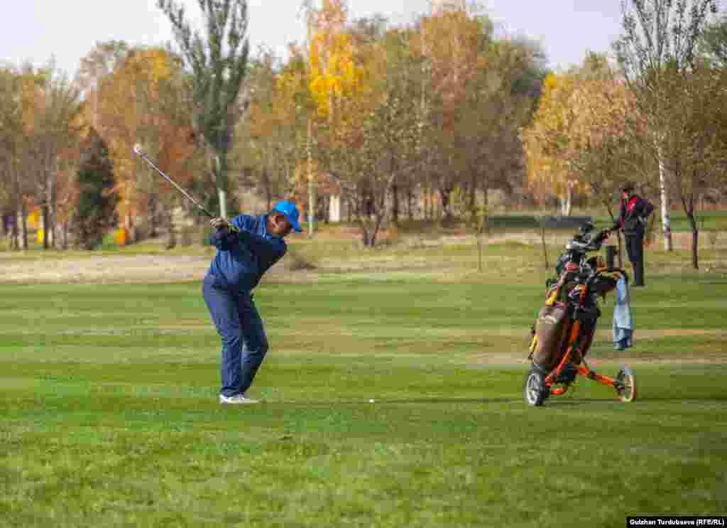 Гольф - один из самых дорогих видов спорта.