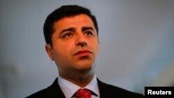 Među uhapšenima je Selahatin Demirtaš