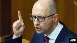 Арсений Яценюк называет выдвинутые Россией обвинения абсурдными