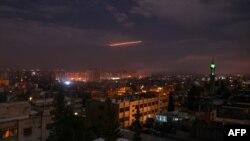 Suriyanın hava hücumlarından müdafiə qüvvələri İsrail raketlərindən müdafiə olunur, 21 yanvar, 2019
