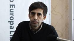 Un protestatar cu sceptrul în mînă - Iulian Ciocan