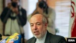 حمید چیتتیان، وزیر نیرو.