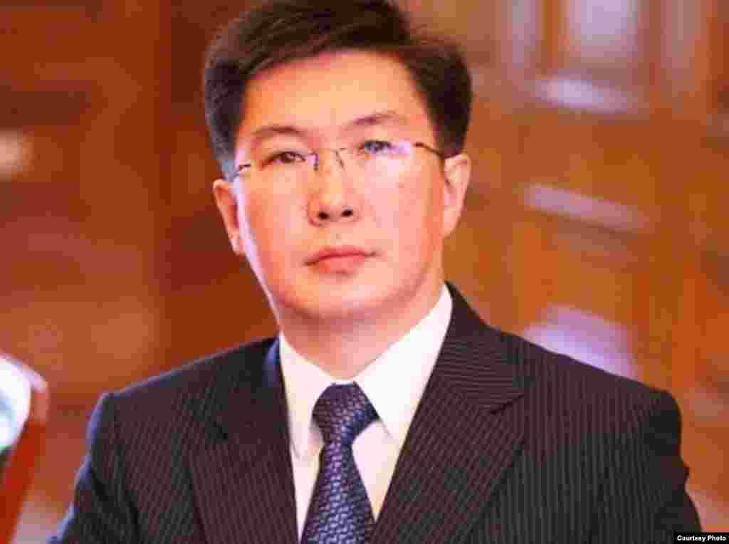 Ескендір Бейсембетов, Қазақ-Британ техникалық университетінің ректоры.